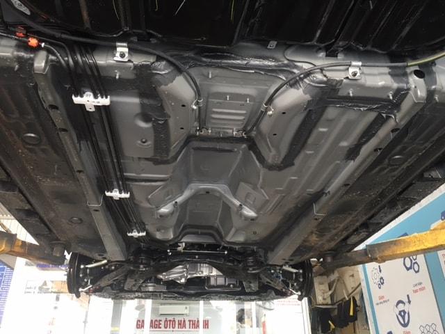 Ôtô mới có nên sơn chống rỉ phủ gầm xe không?