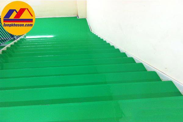 Cách sơn cầu thang sắt và nền bê tông bằng sơn epoxy