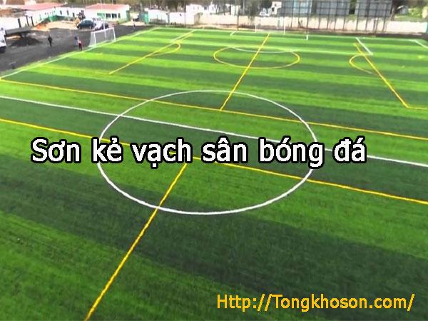 Sơn kẻ vạch sân bóng đá