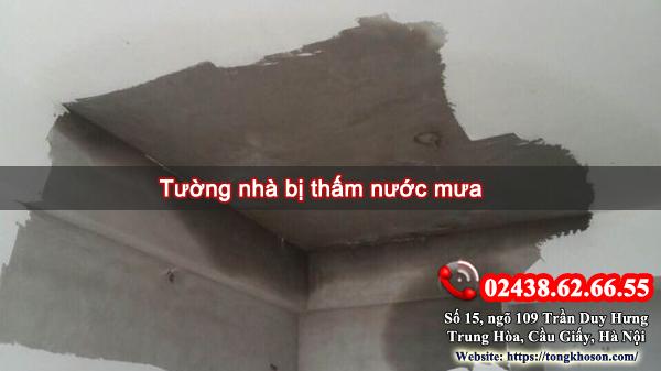 tường nhà bị thấm nước mưa